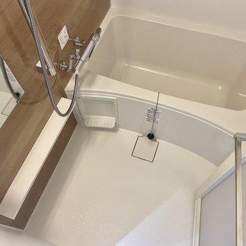 洗い場もゆったり。ブラウンが落ち着くなぁ※写真は3階の反転間取り別部屋のものです