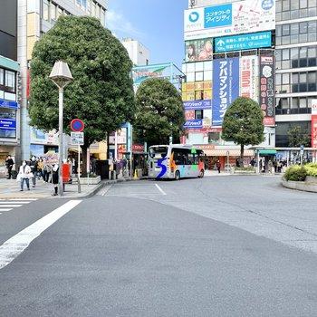 駅の北口はアーケード商店街がある吉祥寺。
