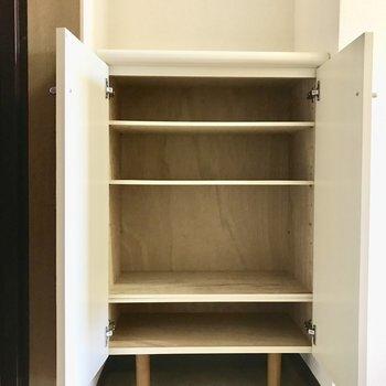 靴箱の上に観葉植物を置いてみては?※写真は3階の同間取り別部屋のものです