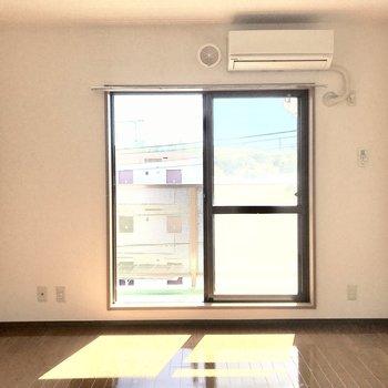 日当たりがいいですね。※写真は3階の同間取り別部屋のものです