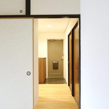 和室は廊下にも繋がっています。