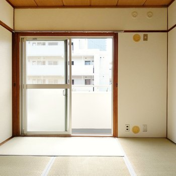 和室は6畳。リビング横だから、子ども部屋にもいいですね。