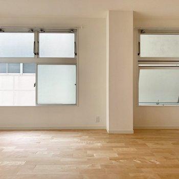 【LDK】3か所に窓があり、日の入りも風の通りもいいんですよ。