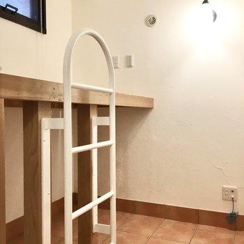 こちらはベットルーム。下は収納スペースに※写真は同間取り別部屋のもの