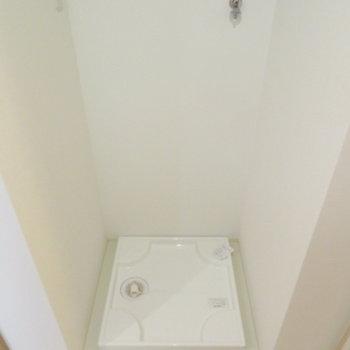 洗濯機置き場も脱衣所に(※写真は2階の同間取り別部屋のものです)