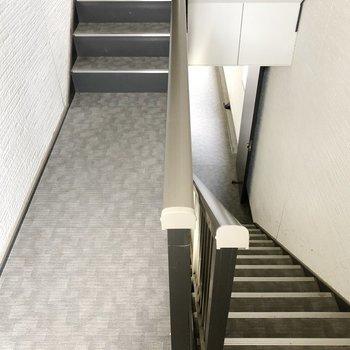 2階までは階段を利用しましょう。(※写真は前回募集時のものです)