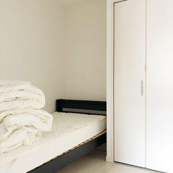 〈洋室〉ここを寝室にするのはどうでしょう?(※家具・家電は見本です)