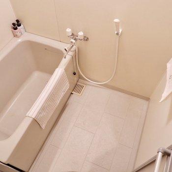 浴室。シンプルな造り。