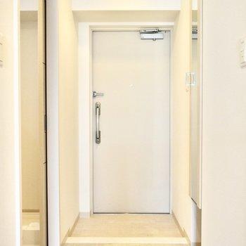 玄関も広めです〜!