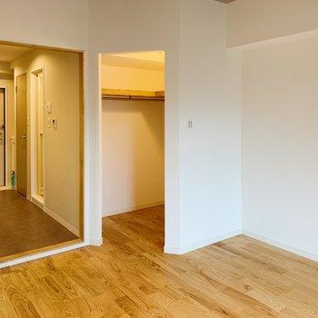 扉がないので家具の配置がしやすいですね。