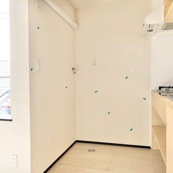 ※写真はクリーニング前です※キッチンスペースに洗濯機置き場があります