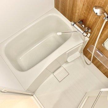 浴槽のサイズはゆったりめ。
