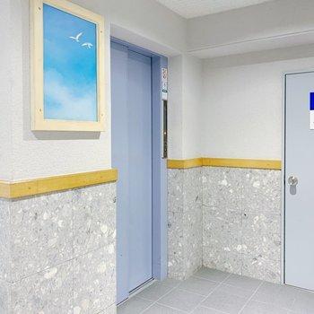 お部屋まではエレベーターで〜!