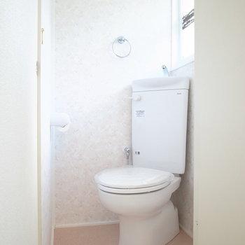 トイレは玄関の近く!ウォシュレットの設置はできません。