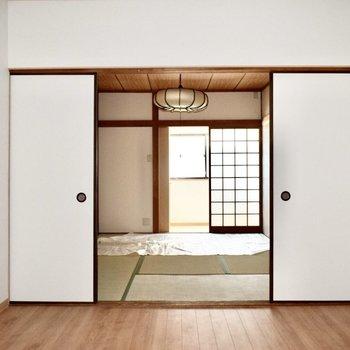 和室前のスペース】フルリノベーションされた畳の部屋ってまた違う美しさがありますね。