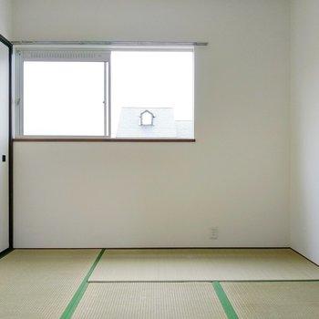まだ青い畳が綺麗です。寝室や子ども部屋にも◎