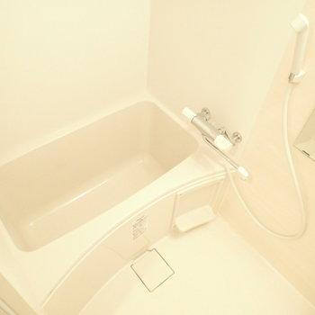 浴室乾燥機つき!(※写真は6階の同間取り別部屋のものです)