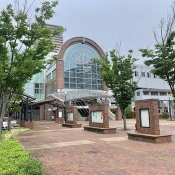 綺麗なJR久留米駅!バスロータリーも充実していて、アクセスには困らなそうです。