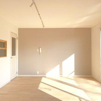 たっぷり差し込む太陽光、なんて素敵なお部屋...!
