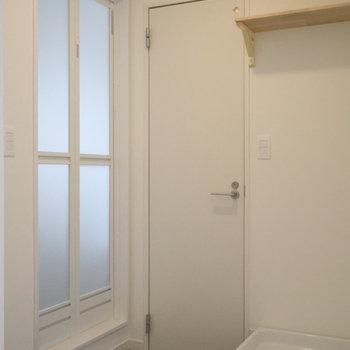 【完成イメージ】脱衣所はグレーの床で締まった印象に。