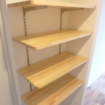 【完成イメージ】玄関には稼働棚を。お気に入りの靴たちを、飾るようにしまおう。