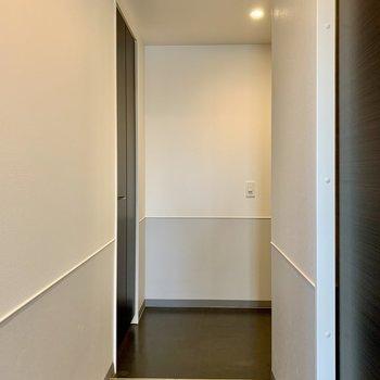 玄関は段差がほぼありません。
