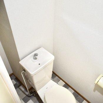 トイレの床も可愛い〜!
