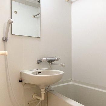 浴室乾燥機付きで雨の日のお洗濯も安心。