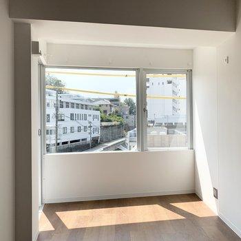 窓から差し込む陽光が素敵なひとり暮らしのお部屋です。(※現在建設中の物件です)
