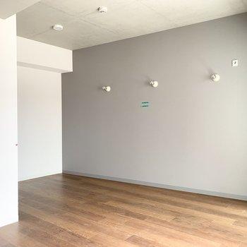 優しいカラーが印象的なひとり暮らしのお部屋です。(※現在建設中の物件です)