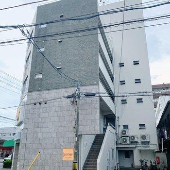 お部屋は5階部分にあります。