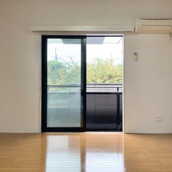 洋室は約9.4帖と広々しています。