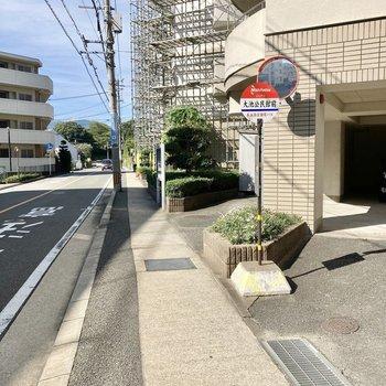近くのバス停は徒歩3分の「大池公民館前」