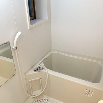お風呂に窓があるのって嬉しいですよね!