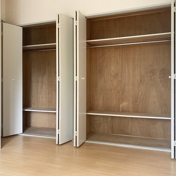 【DK】2人分入りそうな収納です。※写真は2階の同間取り別部屋のものです