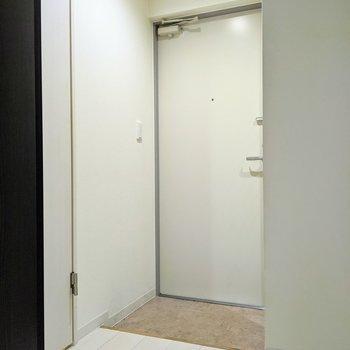 ゆとりのある広さの玄関スペース。