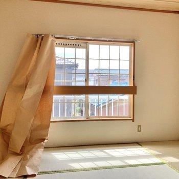 【和室】南から燦々と日が入ってきます。