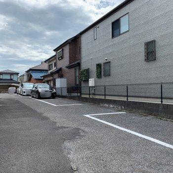 駐車場もありますよ。