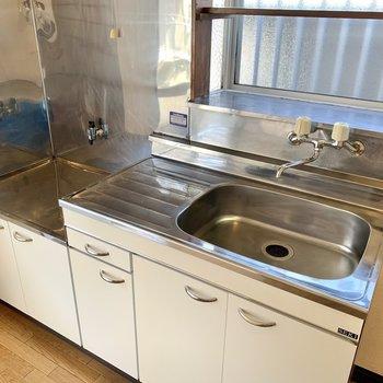 【DK】大きめのシンクは洗い物もスムーズに。