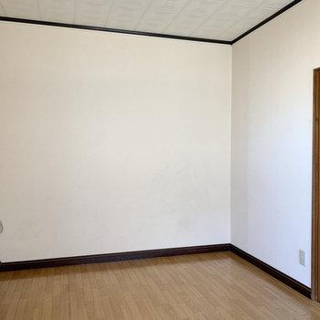 【DK】食器棚もゆったり置けるスペースがあります。