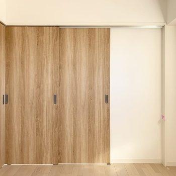 【洋4.5】ドアを閉めると独立した4.5帖の空間に。