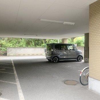 駐車場も広々。(空き要確認)