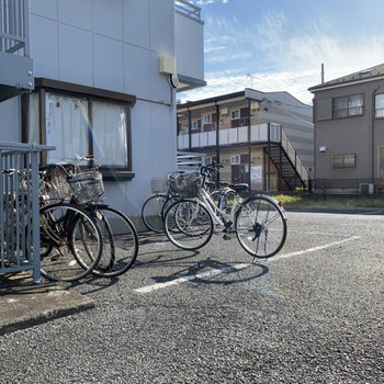 敷地内に自転車も置いておけます。