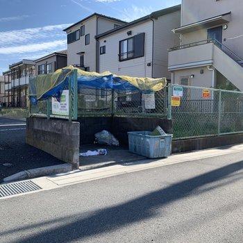 ゴミ捨て場も設置されていますよ。