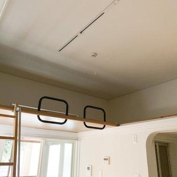 【ロフト】天井が高く、開放感があります※写真は通電前・一部フラッシュ撮影をしています