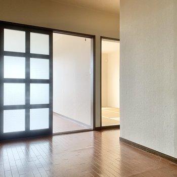 【DK】和室は少し奥まったところにありますね。
