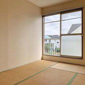 【和室】ちゃぶ台やコタツを置きたいですね。