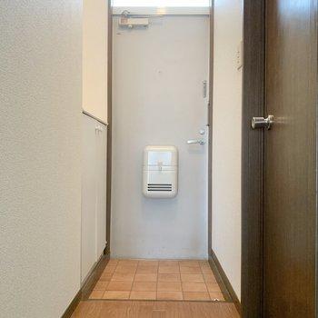 玄関の段差は低め。