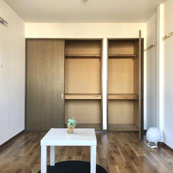 【洋室】こちらも収納たっぷり。※家具・インテリアはサンプルです