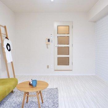 白の内装がお部屋を明るく保ってくれます。